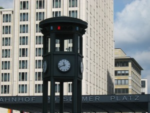 Street lights mit clocks.  Interesting choice.