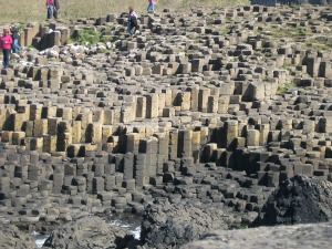So many hexagonal rocks...