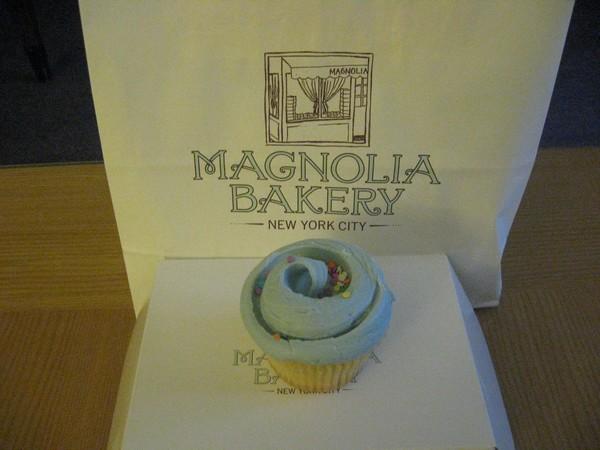 Magnolia Bakery - vanilla/vanilla