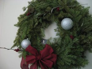Yes, I still have a wreath hanging on my door.  Look how green it still is!  I can't take it down yet!