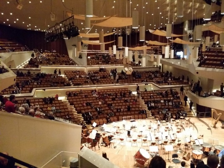 Philharmonic-inside3